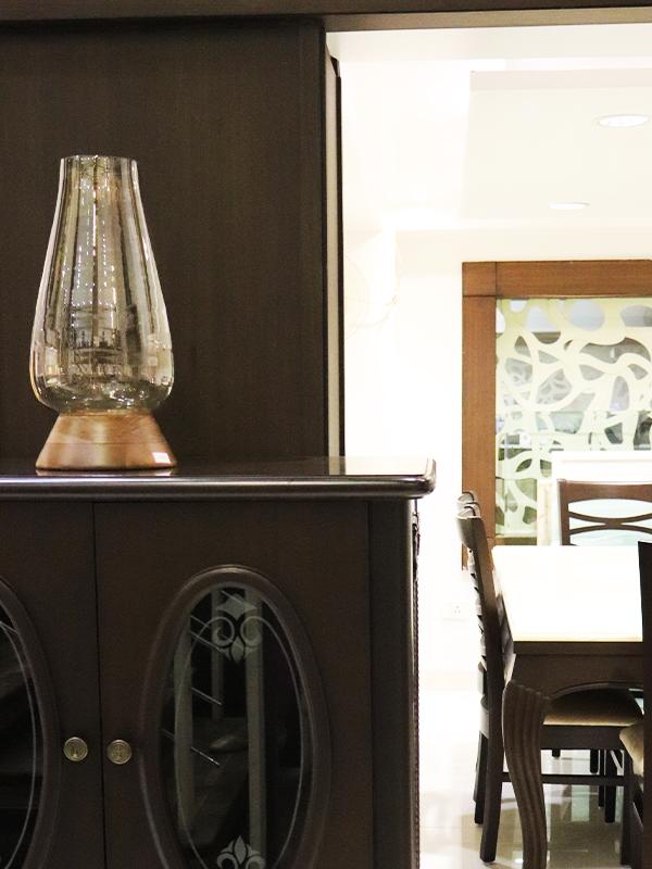 Glass showpiece for home decor