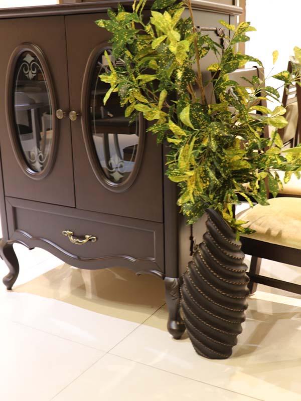 Flower pot for living room